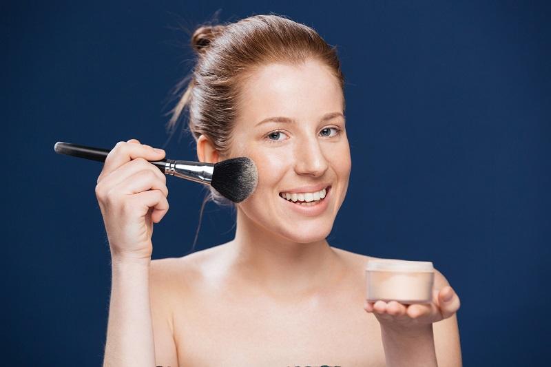 Podkład mineralny jako środek leczniczy dla skóry